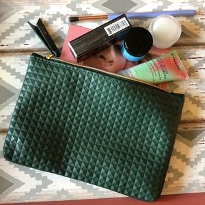 Ipsy Olive green makeup bag NWOT